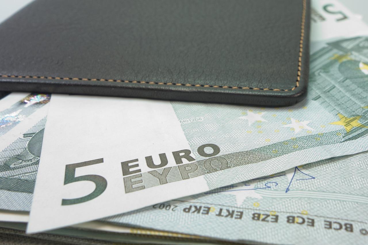 money-494162_1280